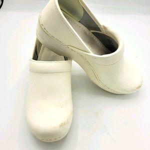 Dansko White Nursing Career Clogs Size 38